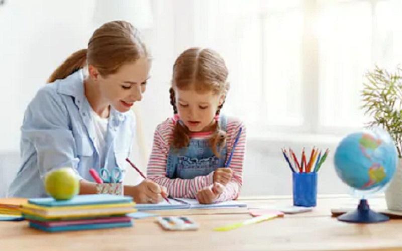 https: img.okezone.com content 2020 07 14 337 2245930 pgri-ingatkan-agar-orangtua-pantau-anak-selama-belajar-dari-rumah-drTtSHzSNP.jpg