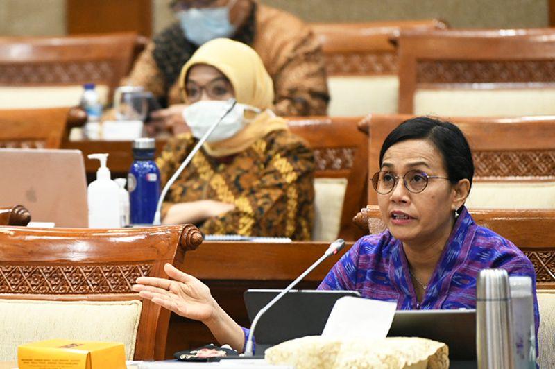 https: img.okezone.com content 2020 07 15 20 2246871 orang-miskin-di-indonesia-makin-banyak-bagaimana-bu-sri-mulyani-3SOJR7SF0Q.jpg