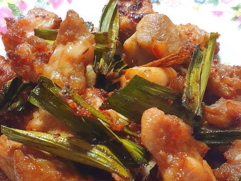 https: img.okezone.com content 2020 07 15 298 2246619 resep-ayam-goreng-pandan-enak-banget-untuk-makan-malam-tXXZRP68Dv.jpg