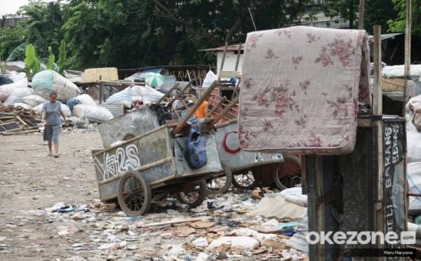 https: img.okezone.com content 2020 07 15 320 2246740 jumlah-penduduk-miskin-di-indonesia-naik-jadi-26-4-juta-orang-uWVOLdIs9Q.jpg