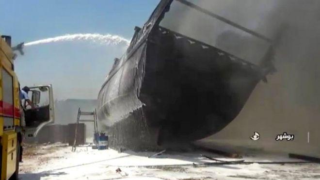 https: img.okezone.com content 2020 07 16 18 2247256 kebakaran-misterius-landa-pelabuhan-iran-tujuh-kapal-hangus-dilalap-api-G8ucFhOqgo.jpg