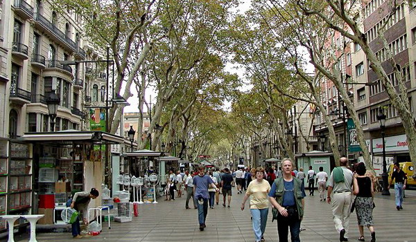 https: img.okezone.com content 2020 07 16 615 2247571 mau-kunjungi-barcelona-ini-3-rekomendasi-tempat-makan-halal-XC8hkpJutE.jpg