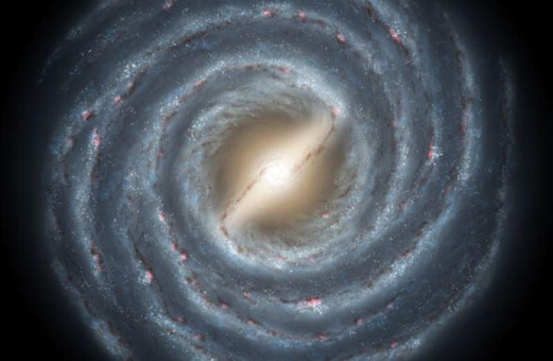 https: img.okezone.com content 2020 07 17 16 2248130 astronom-percaya-galaksi-bima-sakti-berusia-13-6-miliar-tahun-WMPUPWslwb.jpg