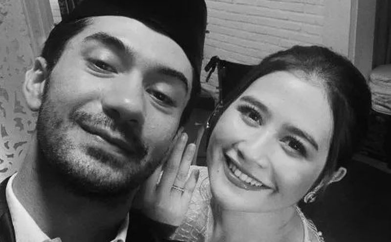 Gaya Taaruf Prilly Latuconsina dan Reza Rahadian : Okezone ...