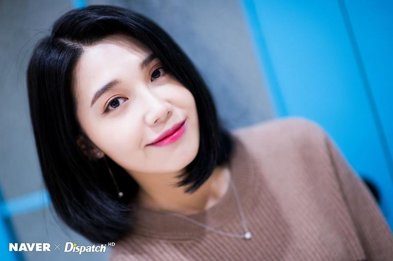 https: img.okezone.com content 2020 07 17 205 2248185 jung-eun-ji-jelaskan-makna-di-balik-album-simple-5rE4ZqxdPB.jpg