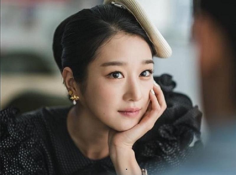 https: img.okezone.com content 2020 07 17 611 2248002 rahasia-cantik-seo-ye-ji-di-k-drama-it-s-okay-to-not-be-okay-ICntwsHqTg.jpg