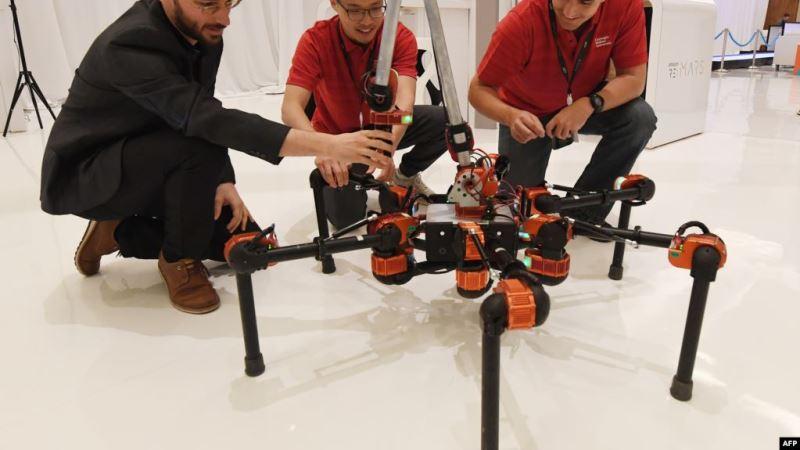 https: img.okezone.com content 2020 07 20 16 2249172 pakar-robotika-jerman-kembangkan-teknologi-lengan-robot-9NLjq8bZR3.jpg