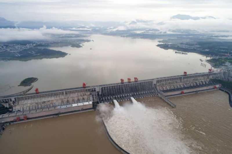 https: img.okezone.com content 2020 07 20 18 2249298 korban-jiwa-terus-meningkat-china-ledakkan-bendungan-untuk-atasi-banjir-XXDnnBjv0z.jpeg