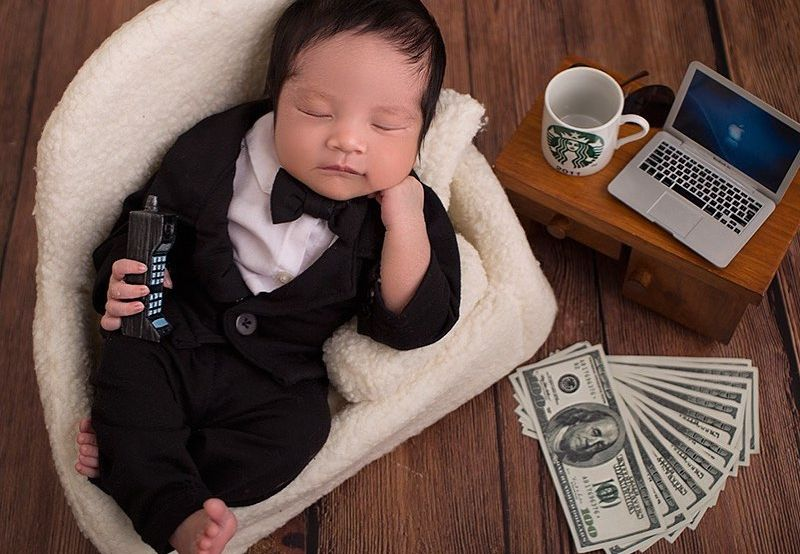 https: img.okezone.com content 2020 07 20 196 2249226 gemasnya-bayi-vanessa-angel-didandani-dengan-tuxedo-PhFAkNH64o.jpg