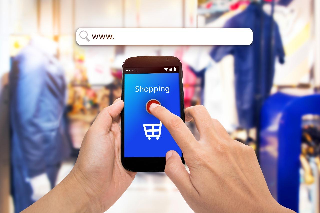 https: img.okezone.com content 2020 07 20 320 2249428 transformasi-bisnis-ke-digital-cara-bertahan-dari-corona-aK8IPcSMx8.jpg