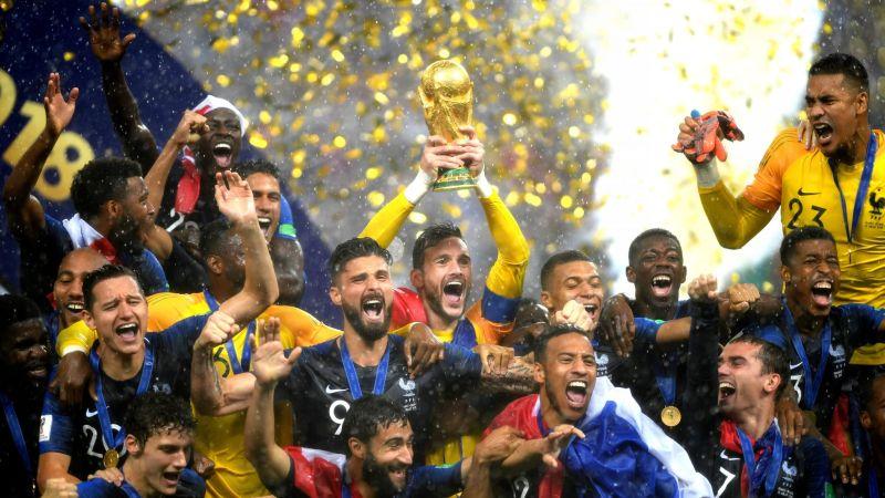 https: img.okezone.com content 2020 07 20 51 2249216 imigran-muslim-berjasa-besar-antarkan-timnas-prancis-jadi-juara-dunia-WdNHNrF4Np.jpg