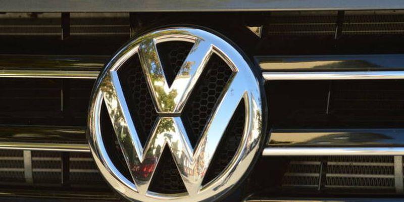 https: img.okezone.com content 2020 07 20 52 2249026 volkswagen-punya-utang-segunung-terbesar-di-dunia-Gj0dYVYTTM.jpg