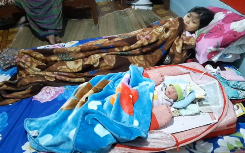 https: img.okezone.com content 2020 07 20 525 2249031 viral-perempuan-di-tasik-hamil-1-jam-tiba-tiba-melahirkan-bayi-laki-laki-Gx64TGquam.jpg