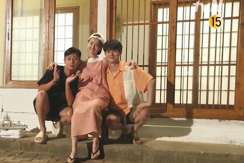 https: img.okezone.com content 2020 07 20 598 2249194 baru-tayang-reality-show-jung-yu-mi-dan-choi-woo-shik-tuai-kontroversi-qcTfz4XwA9.jpg