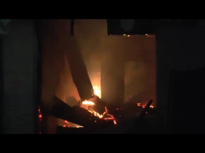 https: img.okezone.com content 2020 07 20 608 2248887 kebakaran-hanguskan-7-rumah-di-permukiman-padat-penduduk-KMTSkv9kBc.png
