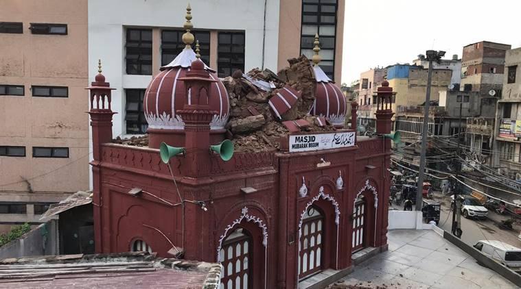 https: img.okezone.com content 2020 07 20 615 2249044 kubah-masjid-bersejarah-hancur-tersambar-petir-XmobNuP1Um.jpg