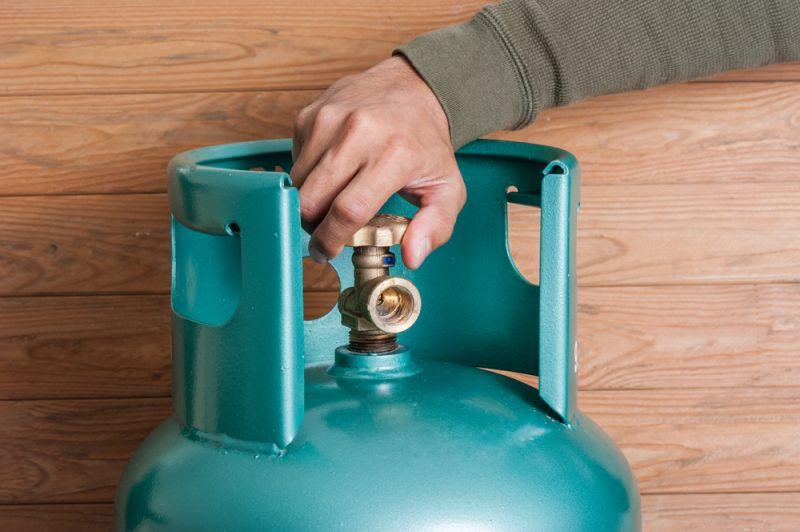 https: img.okezone.com content 2020 07 21 320 2249627 cegah-kebakaran-akibat-tabung-gas-bocor-saat-bisnis-makanan-begini-caranya-MozGRB1c9K.jpg