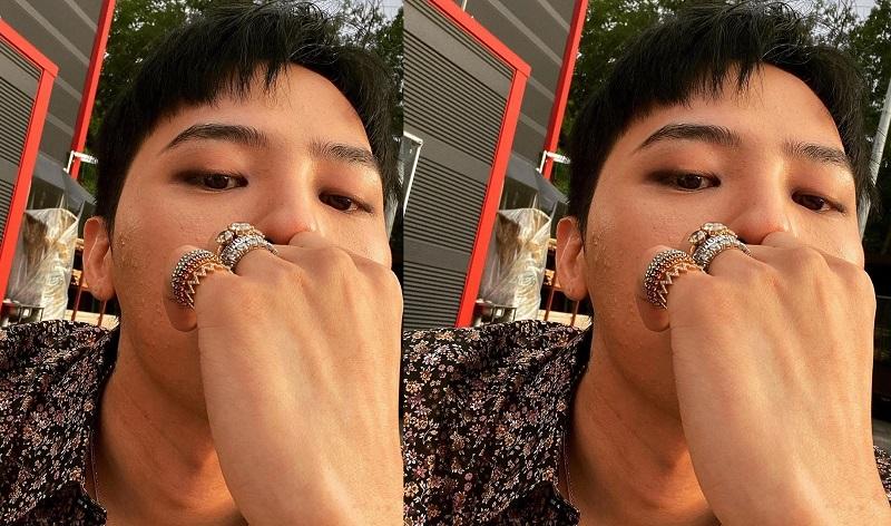 https: img.okezone.com content 2020 07 22 205 2250190 unggah-selfie-misterius-g-dragon-bigbang-bersiap-comeback-btxDE0es4U.jpg