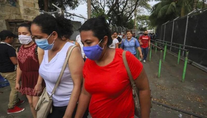 https: img.okezone.com content 2020 07 22 406 2250315 kisah-perjuangan-46-turis-terjebak-4-bulan-di-negeri-orang-akibat-pandemi-covid-19-MJJ5uJlQna.jpg