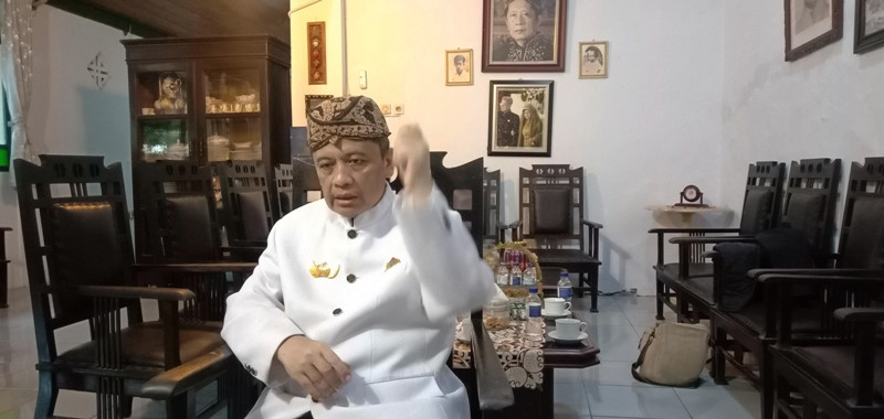 https: img.okezone.com content 2020 07 22 525 2250137 sultan-kasepuhan-cirebon-meninggal-dunia-tHnszPge7e.jpg