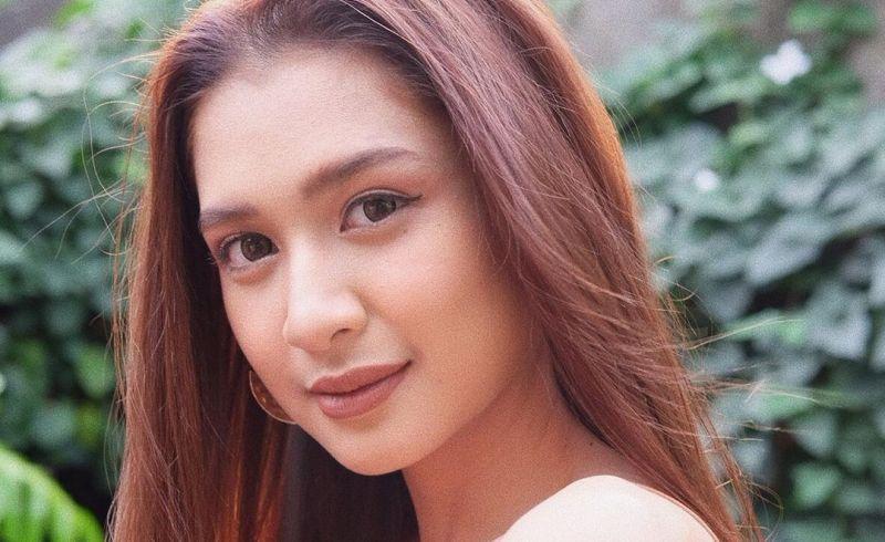 https: img.okezone.com content 2020 07 22 611 2250624 5-tampilan-mikha-tambayong-pilih-makeup-flawless-aura-cantiknya-bikin-hati-damai-brjPyIZ4bR.jpg