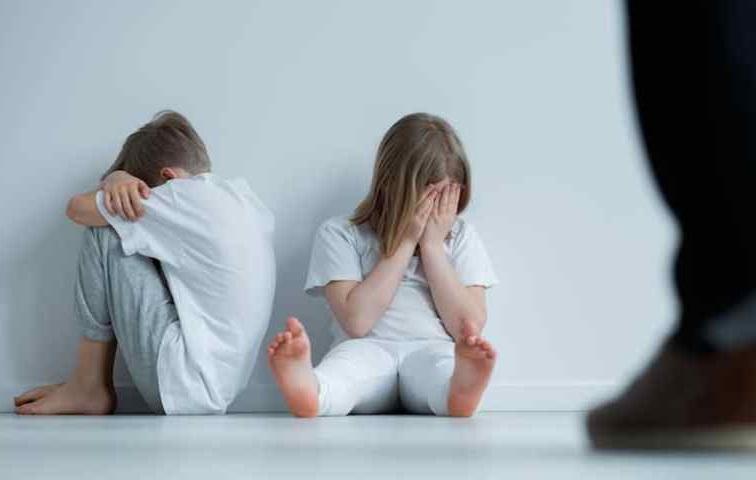 https: img.okezone.com content 2020 07 23 196 2251143 hari-anak-nasional-kenali-cara-melindungi-si-kecil-dari-aksi-penculikan-pegBcwLFmE.jpg