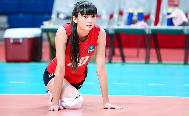 https: img.okezone.com content 2020 07 23 43 2250863 5-fakta-si-atlet-voli-cantik-sabina-altynbekova-giPW85xQ0y.jpg