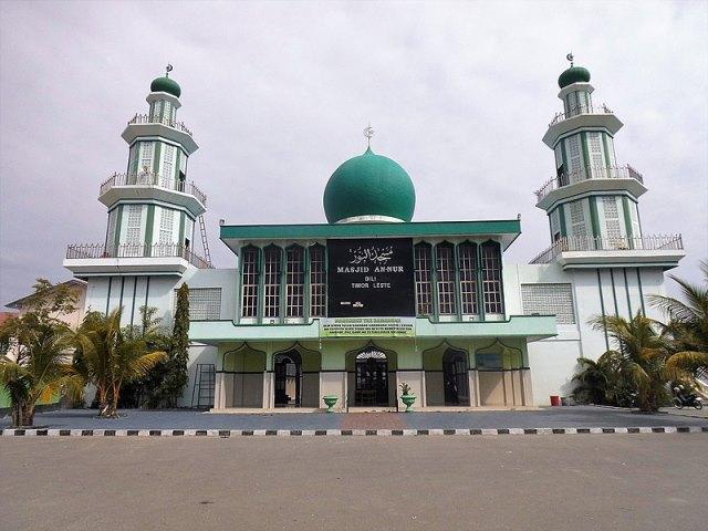 https: img.okezone.com content 2020 07 23 615 2250744 masjid-an-nur-dili-tempat-berlindung-ketika-krisis-timor-leste-3qy3tH6q0P.jpg