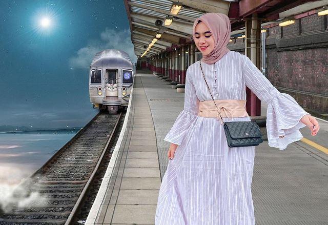 https: img.okezone.com content 2020 07 25 617 2252108 mewah-dan-unik-inilah-busana-dress-ala-hijaber-nabila-alaydrus-IBEYY6U3ez.jpg