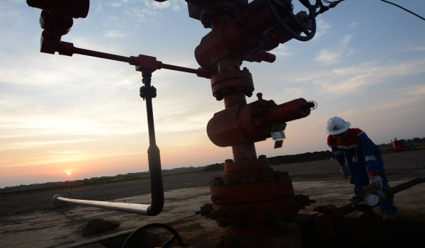 https: img.okezone.com content 2020 07 26 320 2252330 berkah-harga-gas-industri-turun-pendapatan-negara-naik-rp3-2-triliun-AmumaHhQUN.jpg