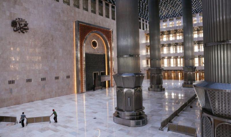 https: img.okezone.com content 2020 07 26 470 2252285 mewah-dan-megah-intip-penampakan-masjid-istiqlal-pasca-renovasi-15IdYj2WCw.jpg