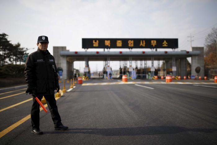 https: img.okezone.com content 2020 07 27 18 2252523 korut-isolasi-penuh-kota-kaesong-setelah-dugaan-kasus-covid-19-pertama-dilaporkan-vIuykGcsiB.jpg