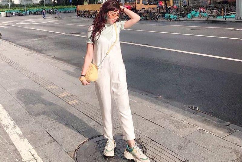 https: img.okezone.com content 2020 07 27 194 2252631 5-pose-dokter-gigi-cantik-nina-agustin-tanpa-baju-apd-fashionable-kece-lho-59VrNaKhBY.jpg