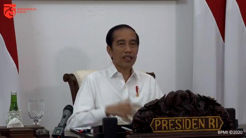 https: img.okezone.com content 2020 07 27 337 2252546 beri-3-arahan-ke-komite-covid-19-presiden-jokowi-jangan-sampai-aura-krisis-hilang-uyPIB2R4Qs.jpg