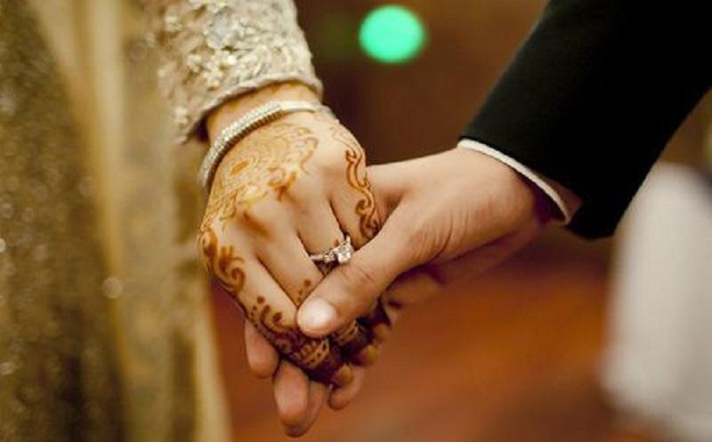 https: img.okezone.com content 2020 07 28 196 2253549 4-masalah-yang-kadang-muncul-dalam-pernikahan-4UUXXvvKcu.jpg
