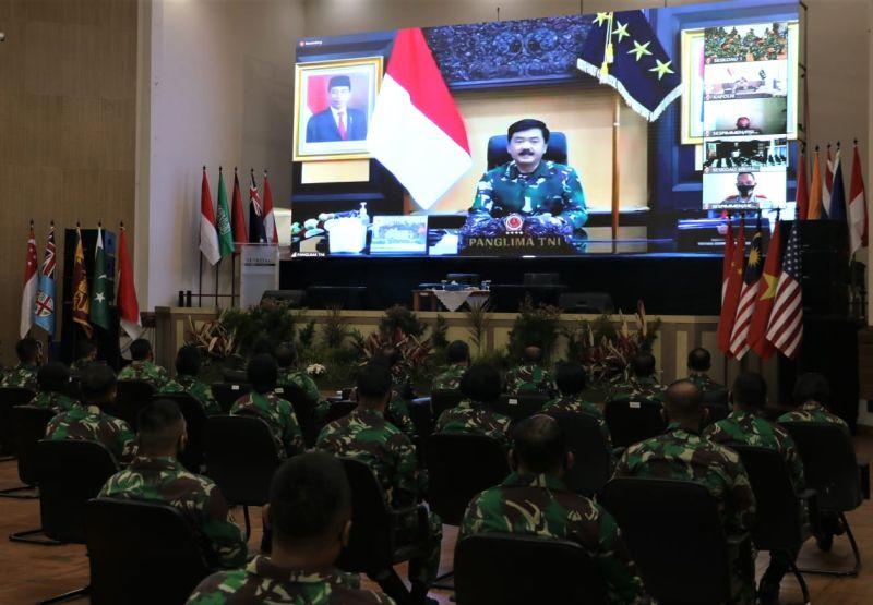 https: img.okezone.com content 2020 07 28 337 2253449 tni-polri-siap-kawal-pembangunan-nasional-menuju-indonesia-maju-mEcYbZxaYy.jpg