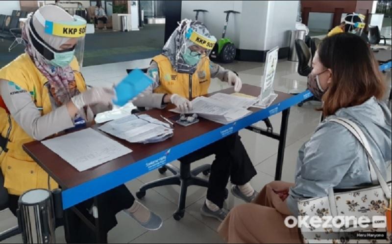 https: img.okezone.com content 2020 07 28 406 2253587 catat-ini-protokol-kesehatan-di-bandara-untuk-wni-dan-wna-yang-masuk-indonesia-GnSMY9PMjY.jpg