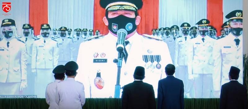 https: img.okezone.com content 2020 07 29 337 2253963 presiden-jokowi-lantik-881-praja-ipdn-secara-virtual-jeJ2S2MK2M.jpg