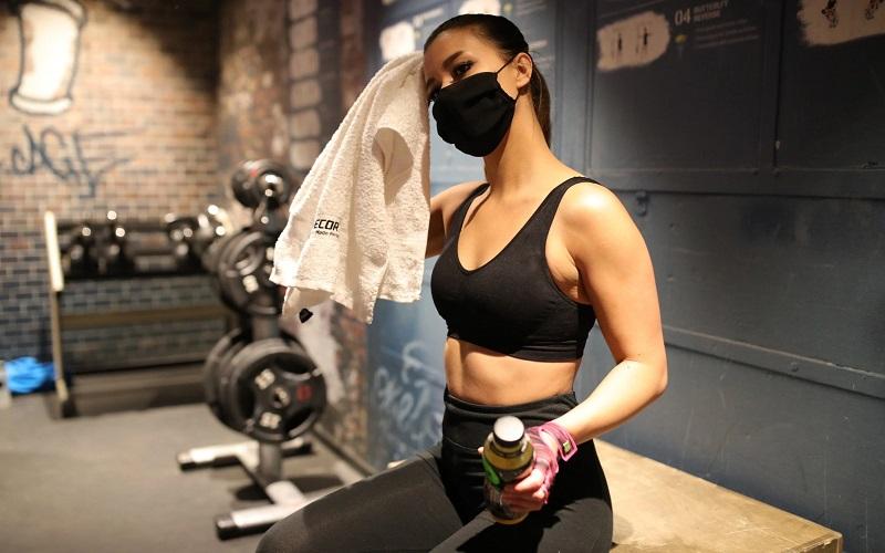 https: img.okezone.com content 2020 07 29 481 2253923 5-tips-jalani-gaya-hidup-sehat-untuk-cegah-hipertensi-yJ9lTInGNz.jpg