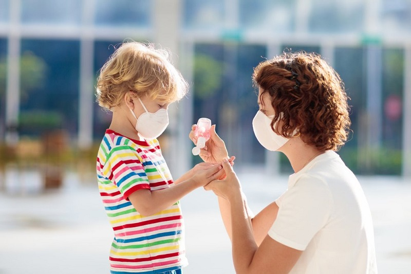 https: img.okezone.com content 2020 07 29 620 2254103 pandemi-covid-19-ajarkan-5-hal-ini-sebelum-anak-menginjak-usia-lima-tahun-MbtVRx4Bpx.jpg