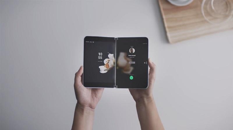 https: img.okezone.com content 2020 07 30 16 2254338 agustus-microsoft-surface-duo-ramaikan-pasar-perangkat-android-1YaOTwFFer.jpg