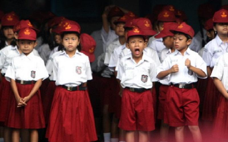https: img.okezone.com content 2020 07 30 196 2254608 begini-cara-mempersiapkan-anak-kembali-ke-sekolah-ZS0yusfGGM.jpg