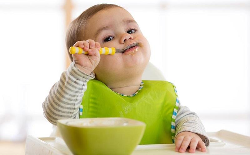 https: img.okezone.com content 2020 07 30 298 2254634 mama-muda-bingung-tentukan-ide-mpasi-sehat-pakar-nutrisi-beri-jurus-jitunya-br3ts0AIDo.jpg