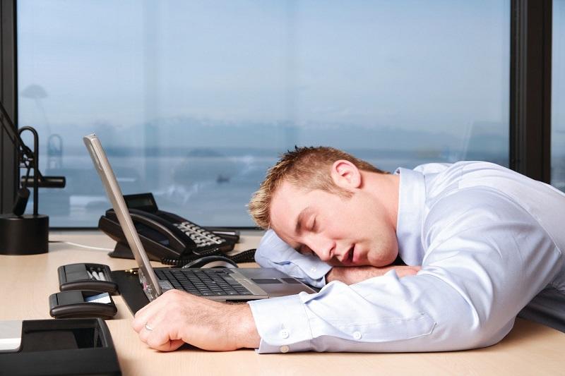 https: img.okezone.com content 2020 07 30 320 2254435 5-tanda-alami-burnout-saat-bekerja-salah-satunya-ingin-rebahan-ojDNea7UvF.jpg