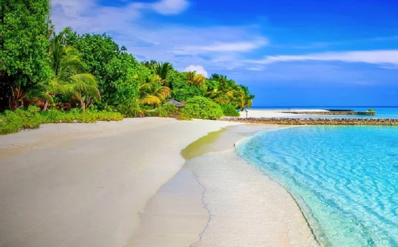 https: img.okezone.com content 2020 07 30 406 2254829 kangen-liburan-pantai-jadi-tujuan-nomor-1-masyarakat-indonesia-tHgUn8nrx0.jpg