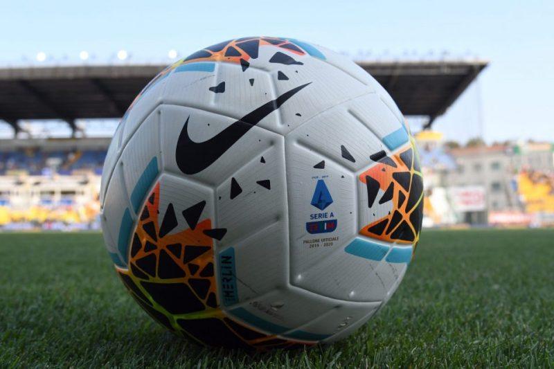 https: img.okezone.com content 2020 07 31 47 2255030 kick-off-liga-italia-2019-2020-kemungkinan-diundur-U0hbHhGvoQ.jpg