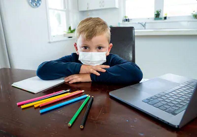 https: img.okezone.com content 2020 08 01 196 2255529 trik-jitu-agar-anak-belajar-online-dengan-menyenangkan-D9FNdlBaVH.jpg