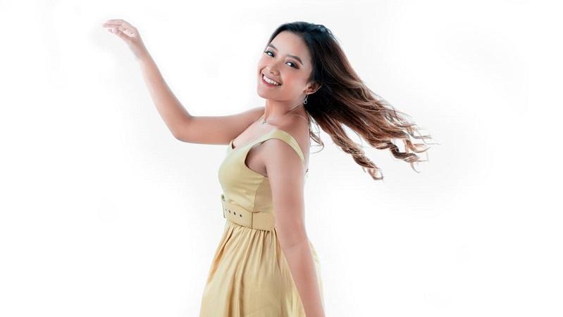 https: img.okezone.com content 2020 08 01 205 2255536 bermodal-anugerah-musik-bali-nadia-nevita-debut-nasional-GXr2KcHy6b.jpeg