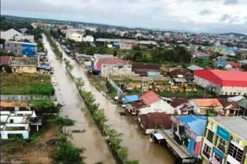 https: img.okezone.com content 2020 08 01 337 2255263 bpbd-banjir-dan-longsor-di-sorong-sebabkan-7-tewas-dan-ratusan-rumah-rusak-stlX1NzOQE.jpg