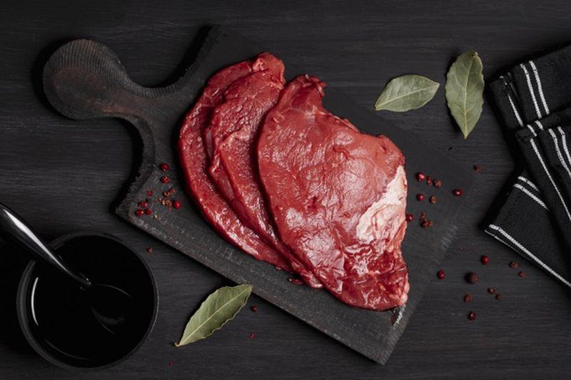 https: img.okezone.com content 2020 08 02 298 2255681 rajin-makan-daging-merah-usai-idul-adha-ini-4-loh-manfaatnya-OzJGCdL9sV.jpg